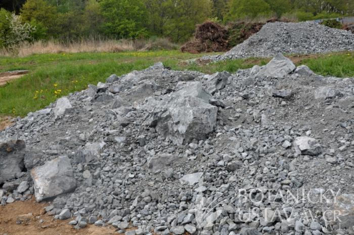 Stavba hadcové skalky (6)